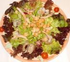 Ensalada de bacalao, gambas y radicha (lechuga)
