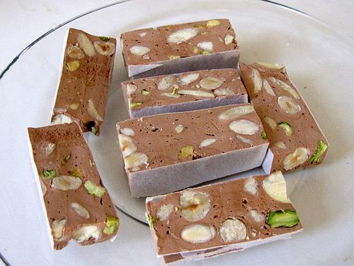 turron-chocolate-pistachos-almendras