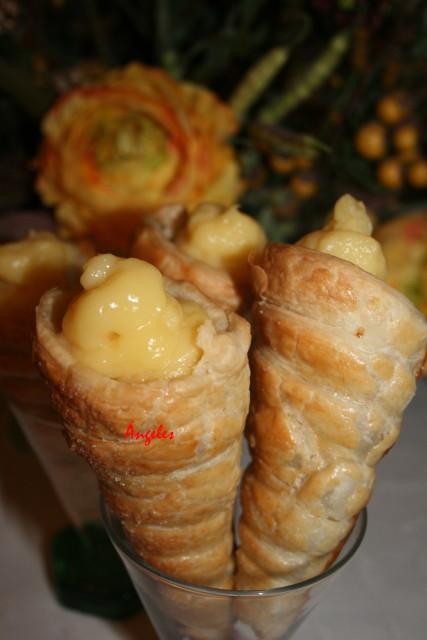 Cucuruchitos de crema o canutillos de Bilbao