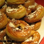 Rosquillas rellenas de chocolate y crema de almendras