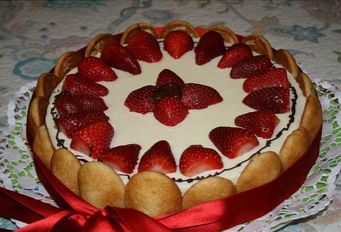 charlota de fresas tarta nata