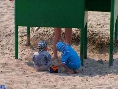 niños-mirones