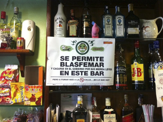 cartel-humor-bar