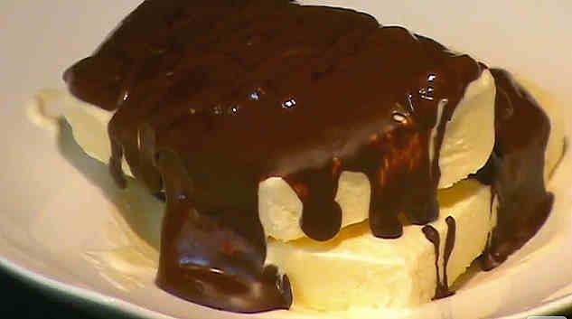 receta-biscuit-helado-chocolate-caliente
