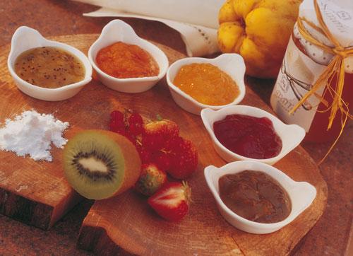 Desayuno del Domingo,para que no ayuneis que es maloooooooooo-http://lacocinadebender.com/wp-content/uploads/2011/08/recetas-mermeladas.jpg