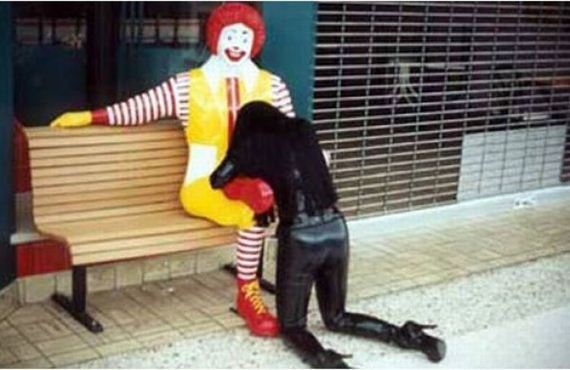 chica-hamburguesa-gratis