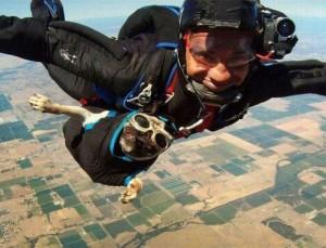 perro-paracaidista