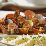 Almejas a la marinera con arroz basmati