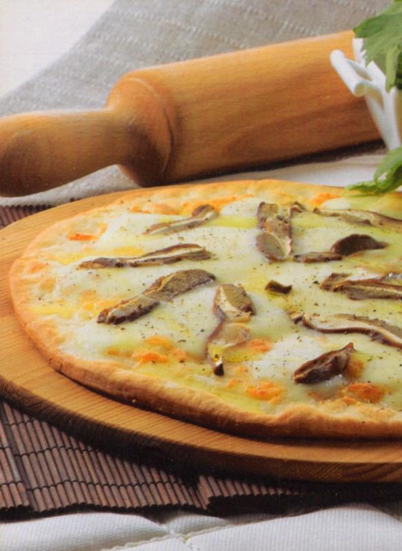 pizza boletus mozzarella