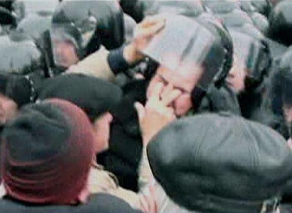 manifestante-apuros