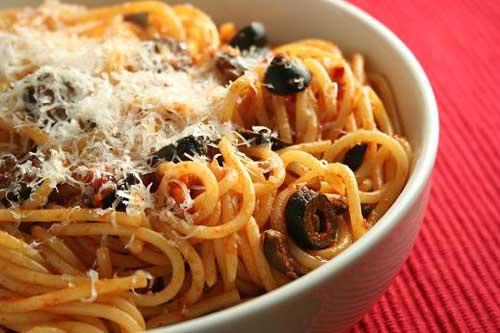 fettuccini-espaguetis-puttanesca-2
