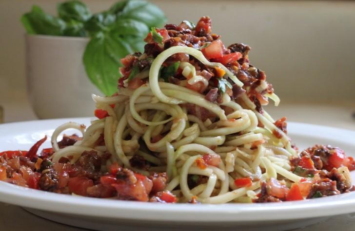 fettuccini-espaguetis-puttanesca-5