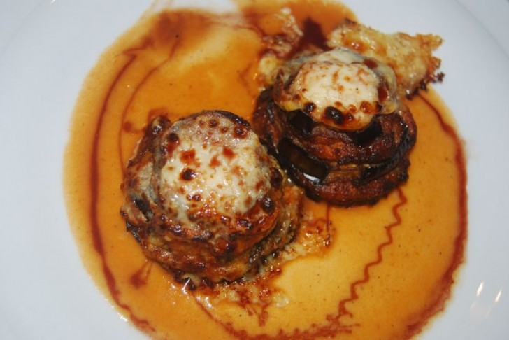 milhojas-berenjena-tomate-jamon-pavo-queso-curado