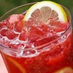 Limonada de frambuesas y limón