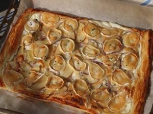 pizza-hojaldre-queso-cabra-albahaca