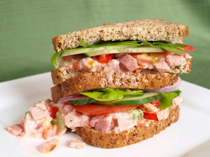 sandwich-cangrejo-jamon-lechuga