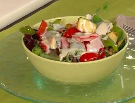 ensalada-verduras-salsa-cuatro-quesos