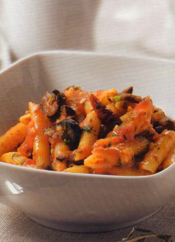 macarrones tomate anchoas alcaparras