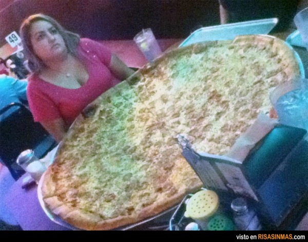 pizza-gigante-600x472