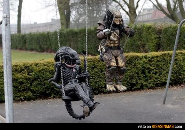 alien predator columpio