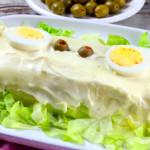 Rollo frio de patatas y frutos de mar