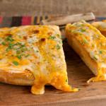 Pan con ajo y queso gratinado
