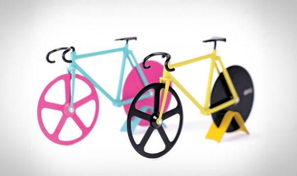 cortapizzas forma bicicleta