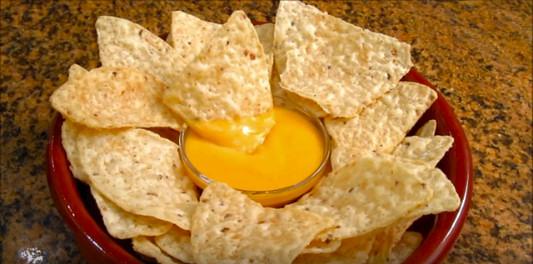 salsa-queso-nachos