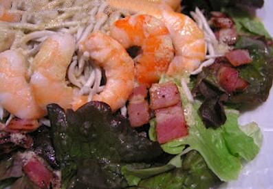 ensalada-gulas-langostinos-beicon