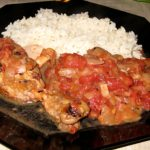 Receta, muslo de pollo con tomate picante