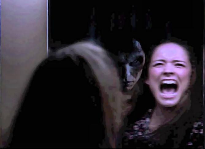halloween-juego-diablo-espejo