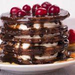 Panqueques de chocolate a las cerezas