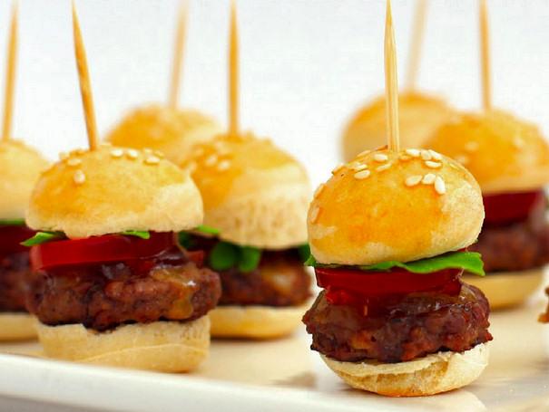 receta-casera-pequenas-hamburguesas