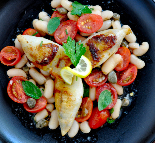 habichuelas-calamar-tomate